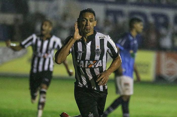 URT volta a sofrer gol nos acréscimos e perde para o Atlético no Campeonato Mineiro