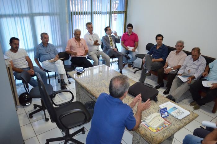 Executivo e Legislativo de Lagoa Formosa realizam reunião para esclarecimentos sobre projeto de isenção do IPTU e ISSQN