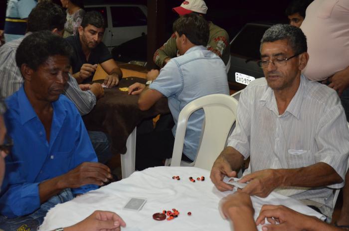 Continua nesta segunda-feira (29) o torneio de truco beneficente do empresário Paulo do Quinzinho