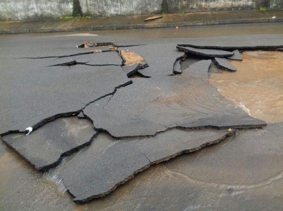 Chuvas causam alagamentos e inundações na cidade de Presidente Olegário