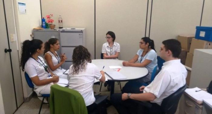 SESMT e CIPA realizam ações de saúde com trabalhadores do UNIPAM em Patos de Minas
