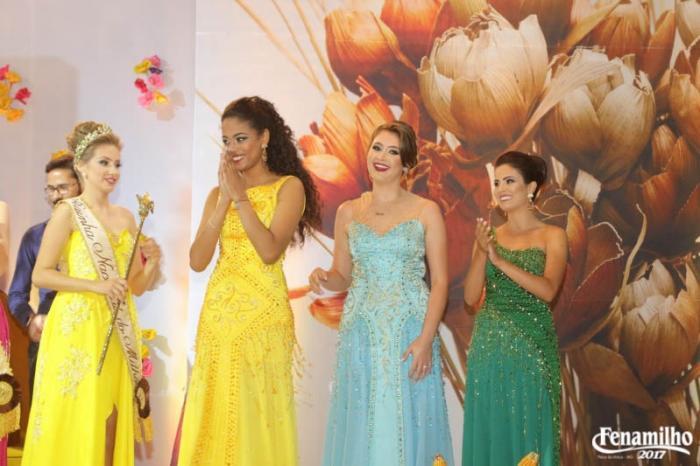 Patos de Minas: Iara Santos é eleita Rainha Nacional do Milho de 2017