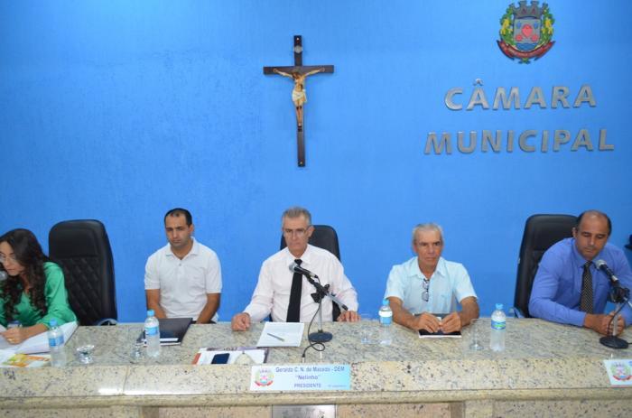 Reunião na Câmara Municipal de Lagoa Formosa discute Projeto de Lei Orçamentária e recebe Conselho de Transito
