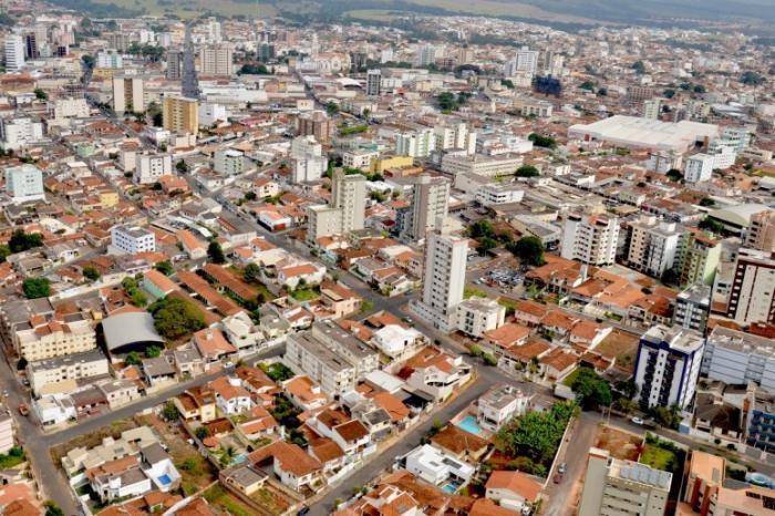 Patos de Minas é o 2º município de Minas Gerais em geração de empregos segundo CAGED