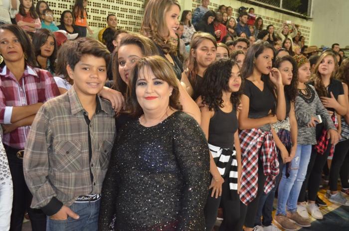 Escola Estadual Coronel Cristiano comemora 83 anos de existência em Lagoa Formosa com festa