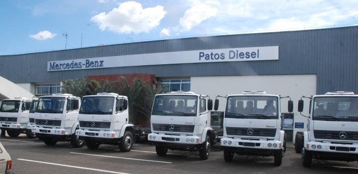 Patos Diesel faz entrega de 10 caminhões para a WD Agroindustrial de João Pinheiro