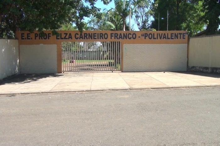 Escola Polivalente em Patos de Mina poderá ser fechada por falta de alunos