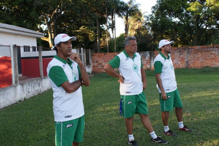 Técnico Márcio Pereira assume o Mamoré e comanda treino em Lagoa Formosa