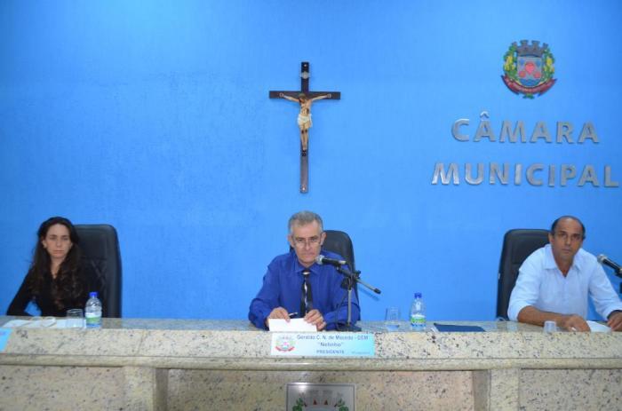 Vereadores de Lagoa Formosa realizam reunião ordinária para votarem projetos de urgência