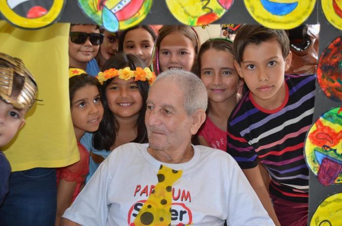 Casa de Repouso de Lagoa Formosa realiza Matinê de carnaval com os alunos da Escola Sonhos e Mimos