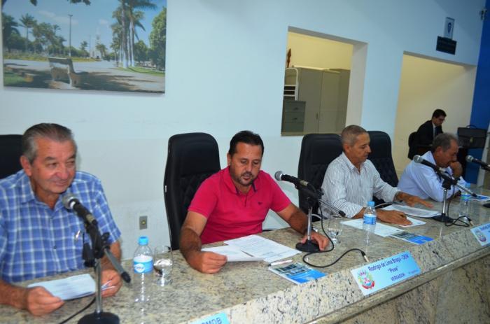 Vereadores de Lagoa Formosa aprovam vários projetos durante reunião ordinária