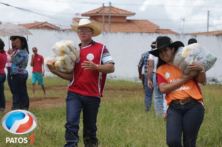 Carreata em Presidente Olegário arrecada toneladas de alimentos para o Hospital do Câncer de Barretos