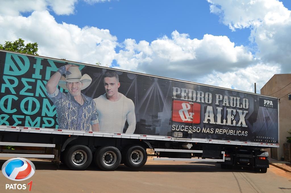 Com a novidade Camarote Dia, Festa do Feijão começa com Pedro Paulo e Alex