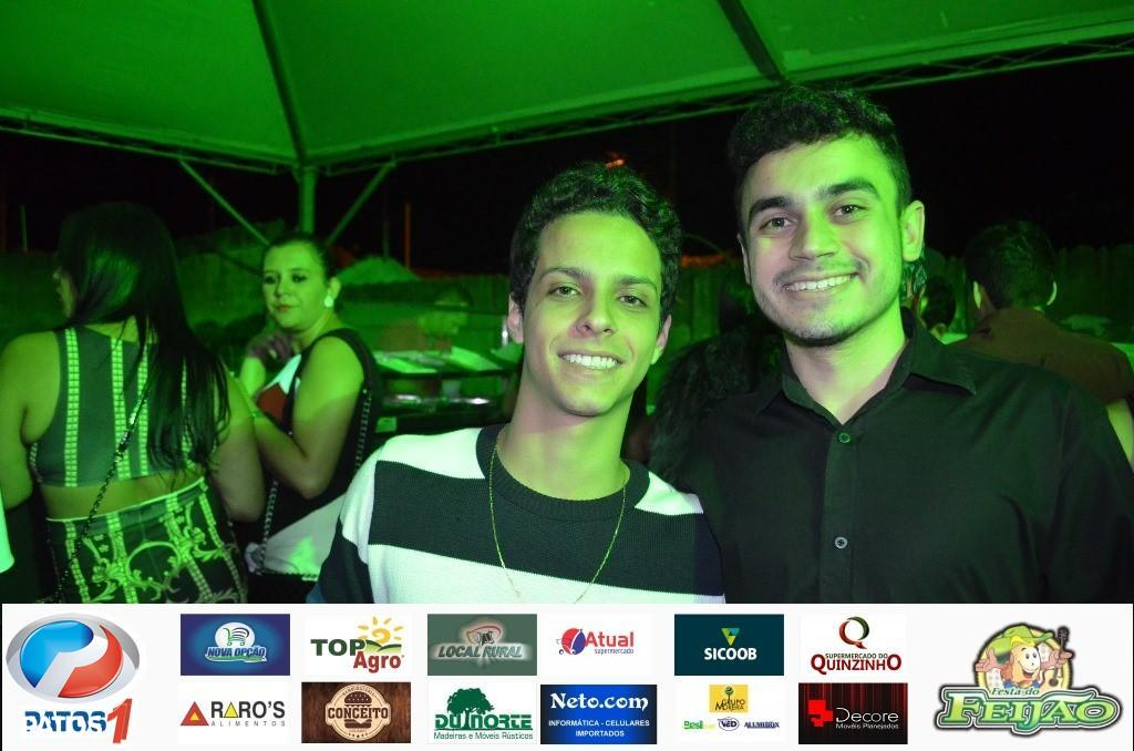 Cléber e Cauan e rodeio profissional levantam o público da Festa do Feijão 2018