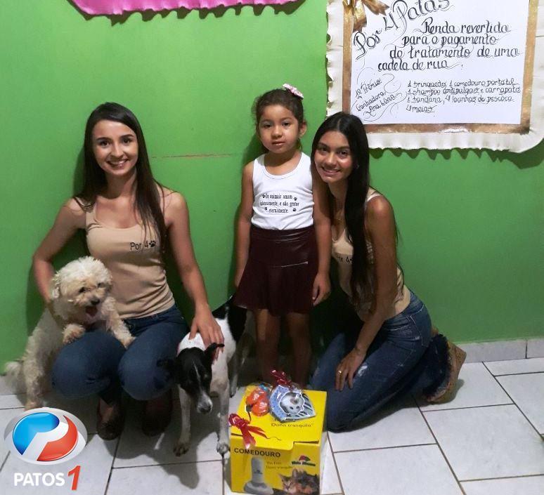 Campanha por 4 Patas realiza sorteio de rifa que custeou tratamento de cadela de rua