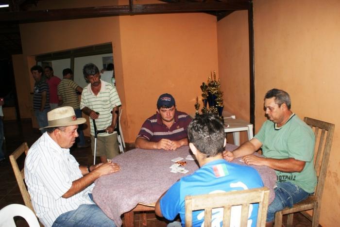 Dupla Balde e Guilherme é campeã do torneio de truco beneficente Paulo do Quinzinho