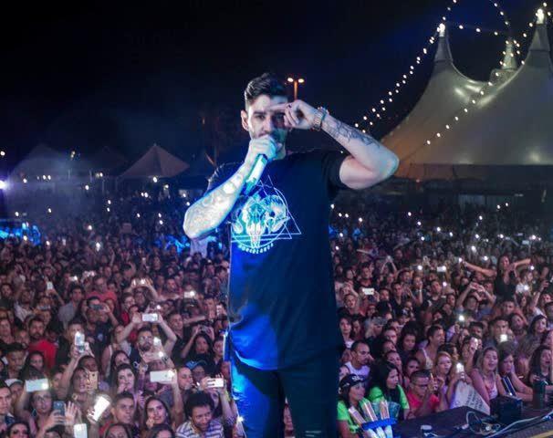 Em Brasília: Gusttavo Lima faz show para anunciar programação da Fenamilho 2017