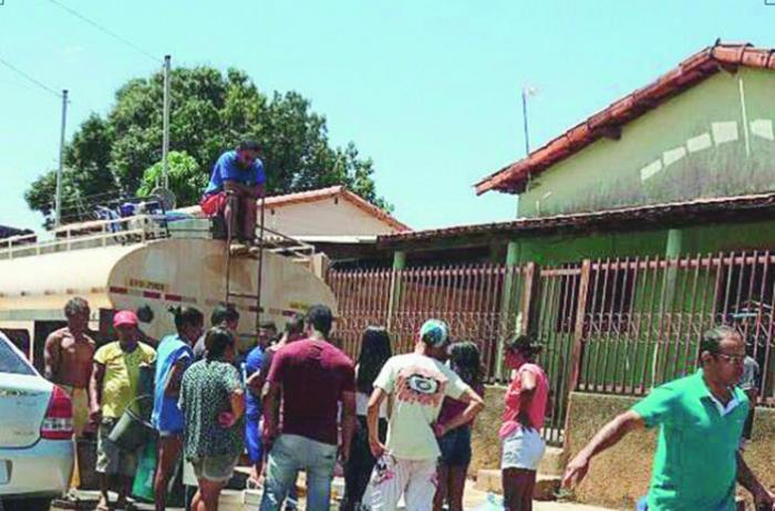 Em Paracatu, 70% da população só tem água através de caminhão-pipa