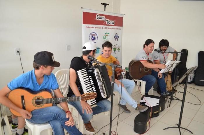 Escola de Música Som e Tom de Patos de Minas abre filial na cidade de Lagoa Formosa