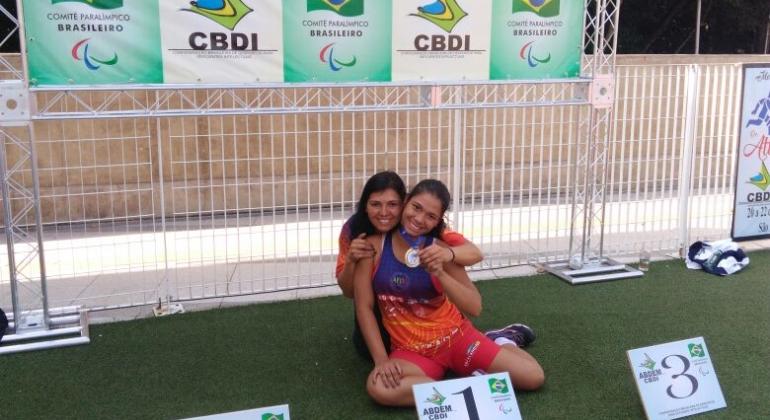 Atleta paraolímpica de Uberlândia filha de mãe de Lagoa Formosa quebra dois Recordes Brasileiro e tenta patrocinadores