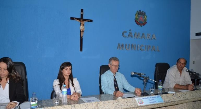 Câmara Municipal de Lagoa Formosa realiza 14ª reunião ordinária de 2018