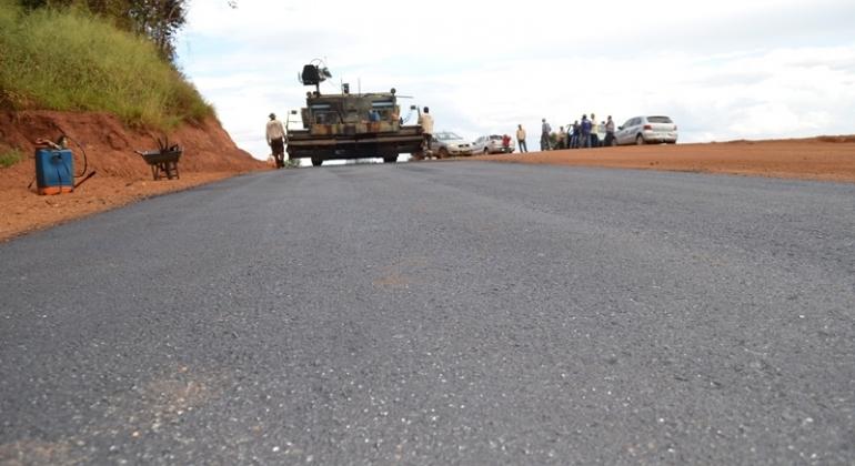 Pavimentação da estrada de Monjolinho se aproxima da comunidade de Beco