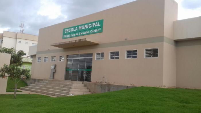 Escolas Estaduais e Municipais de Lagoa Formosa suspendem aulas devido à greve dos caminhoneiros