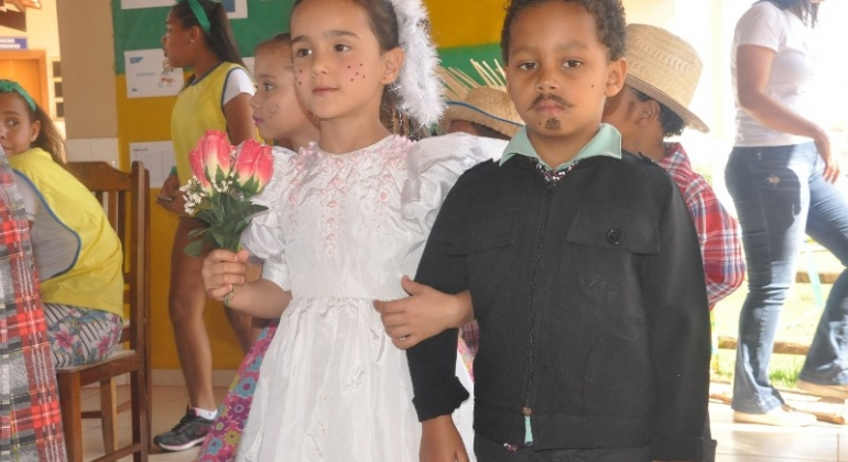 Escola Professora Denise Luísa de Oliveira realiza Auditório Junino 2018