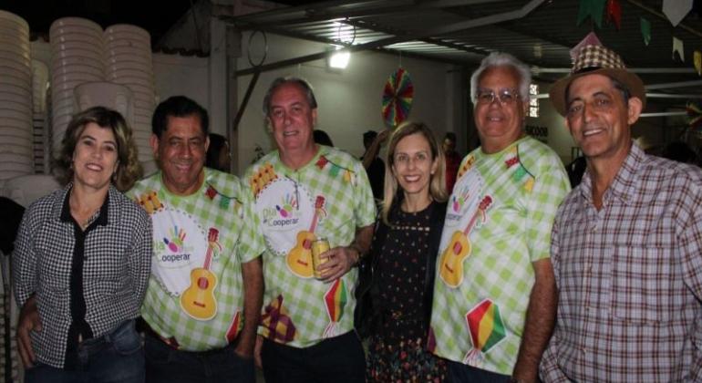 Dia C da SICOOB CREDIPATOS arrecada mais de 10 toneladas de alimentos para doações