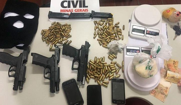 Operação Wanted da Polícia Civil prende 5 pessoas e apreende armas, munições e drogas