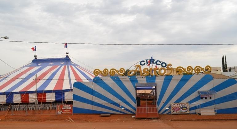 Recorde de público em Lagoa Formosa Circo Astros reestreia na cidade