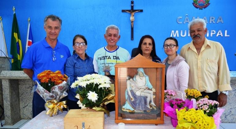 Imagem de Nossa Senhora da Piedade visita Câmara Municipal de Lagoa Formosa