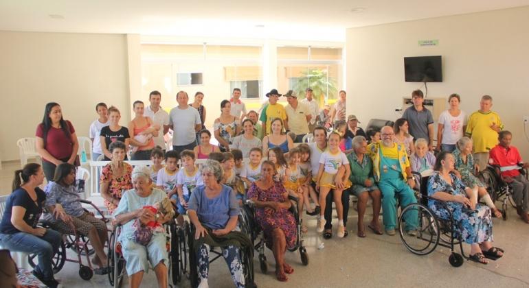 Alunos do Instituto Sonhos e Mimos participam da abertura da Semana do Idoso em Lagoa Formosa