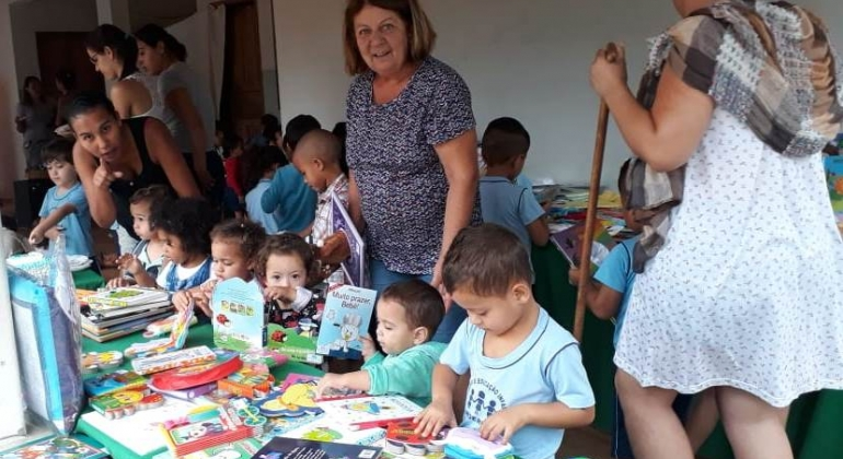 Centro de Educação Infantil Cinderela comemora o Dia das Crianças
