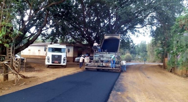 Pavimentação da estrada de Monjolinho chega à comunidade de beco e está a 5 quilômetros do distrito