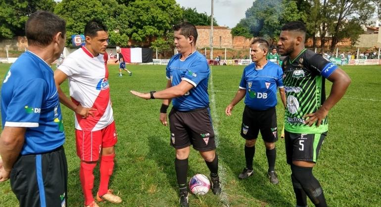 Santa Cruz perde em Lagoa Formosa e está fora das semifinais do Campeonato Regional