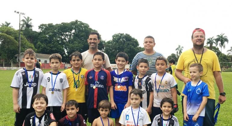 Primeiro campeonato interno da Escolinha Municipal de Lagoa Formosa é realizado com sucesso