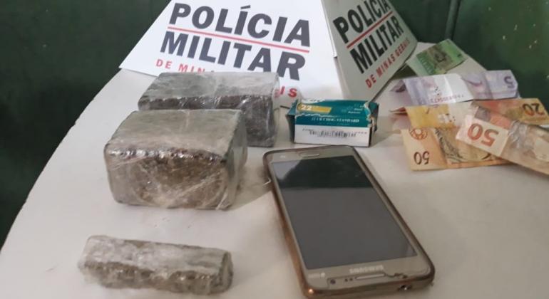 Após denúncia anônima Polícia Militar prende jovem com droga e dinheiro em Presidente Olegário