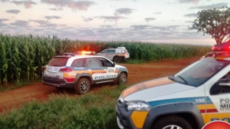 Polícia Militar troca tiro com assaltantes e impede roubo a ônibus na MG-223