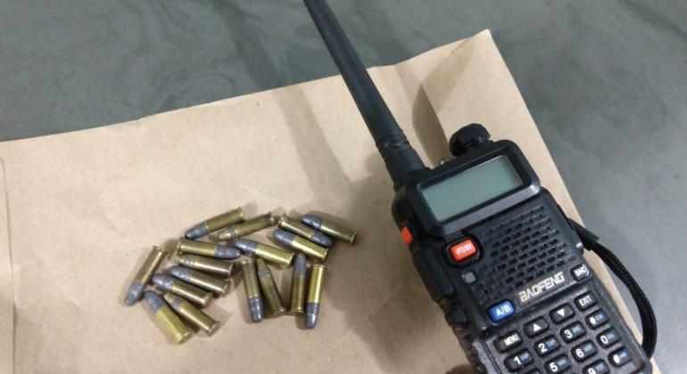 PM apreende munições e rádio comunicador no Distrito de Santana de Patos