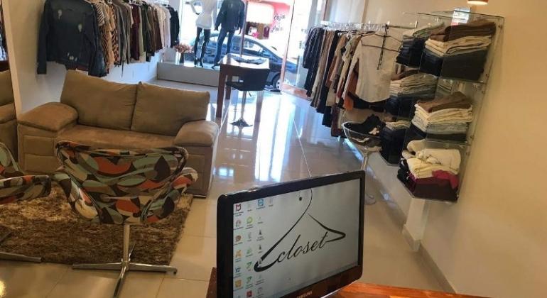 Sucesso em Lagoa Formosa loja CLOSET está em novo endereço com espaço amplo e confortável