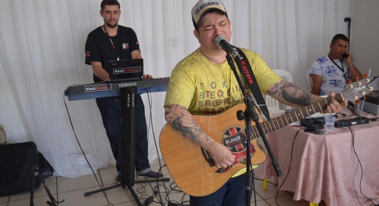 Cantor Kauã karraro faz duas apresentações no final de semana em Lagoa Formosa