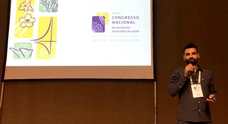 Psicólogo de Lagoa Formosa apresenta projeto para o combate à dengue em Brasília