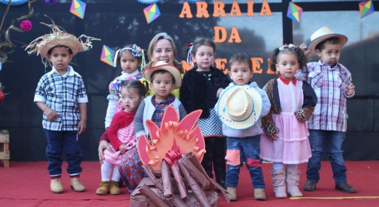 """Centro de Educação Infantil Cinderela realiza """"Auditório Junino"""""""