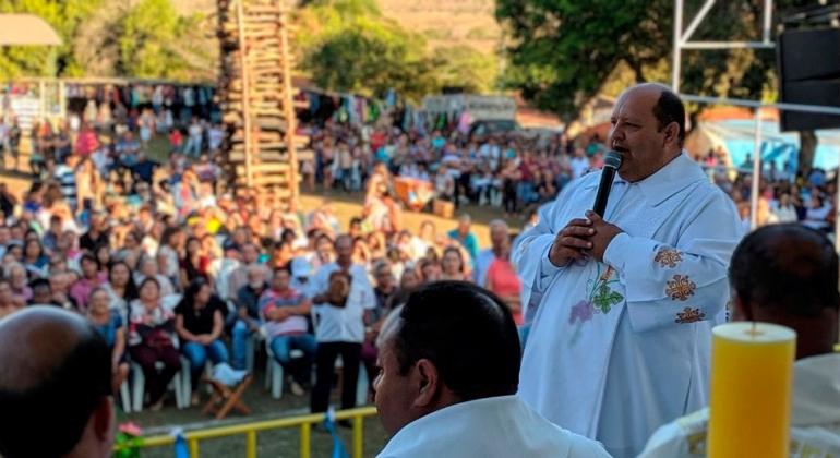 Romeiros participam da missa de encerramento da Festa em Louvor a Nossa Senhora da Abadia em Andrequicé