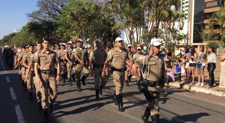 Tradição: desfile de sete de setembro acontece na Avenida Getúlio Vargas em Patos de Minas