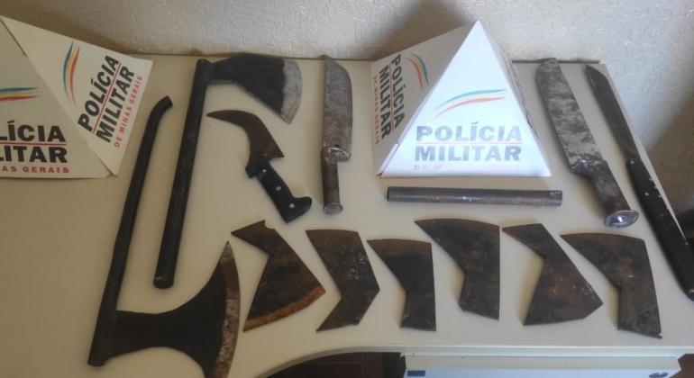Polícia Militar de Carmo do Paranaíba apreende armas artesanais após homem agredir mulher e filha