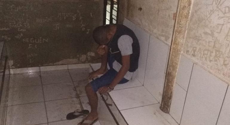 Após apanhar na cadeia rapaz volta a ser preso por ameaçar novamente a mãe