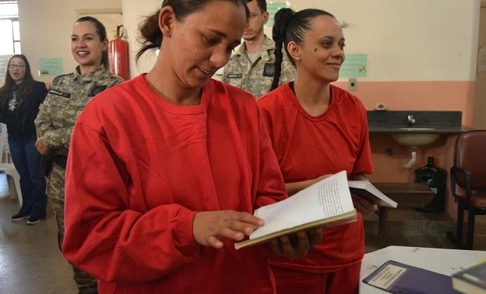 Detentas participam de projeto de remição pela leitura em Carmo do Paranaíba