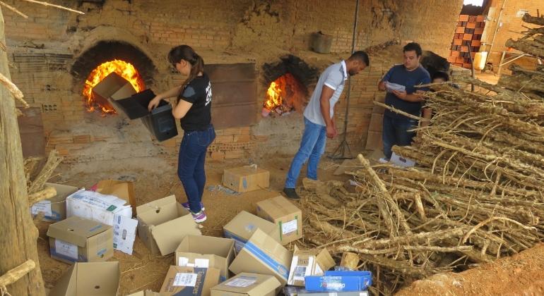 Polícia Civil de Carmo do Paranaíba incinera 65 quilos de drogas